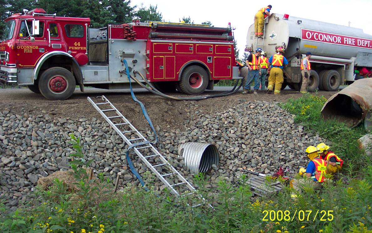 Index Of Graphics English Publications Road Talk Fire Engines Diagram Traffic Cone 2010 Truck At Culvert Site