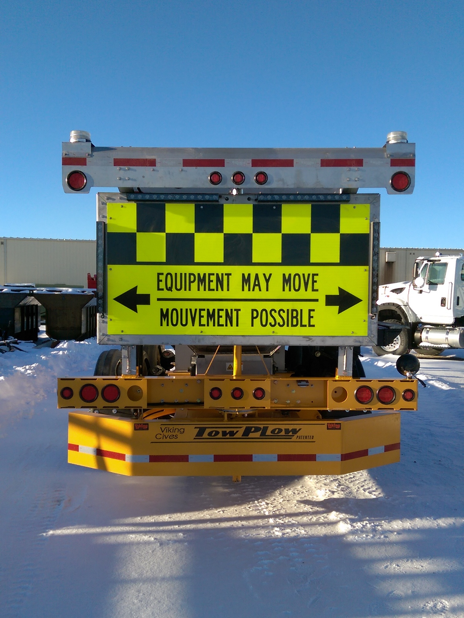 road talk winter vol 22 no 1 winter 2016 figure 3 signage on the back of a tow plow stating that the equipment