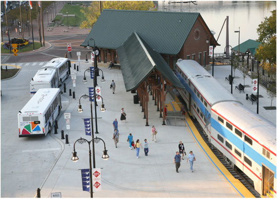 The layout of this station in Nashville facilitates easy transfers between systems.