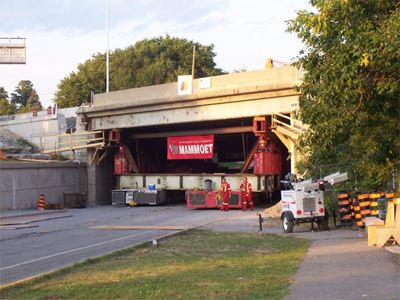 First rapid bridge replacement on Island Park Bridge, 2006. <br> Image from MTO's collection.