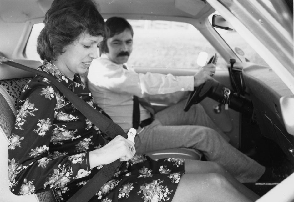 Seatbelt safety demonstration, 1974. (Archives of Ontario, RG 14-151-21-55, I0051675).